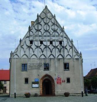 Das Rathaus von Trzcińsko Zdrój