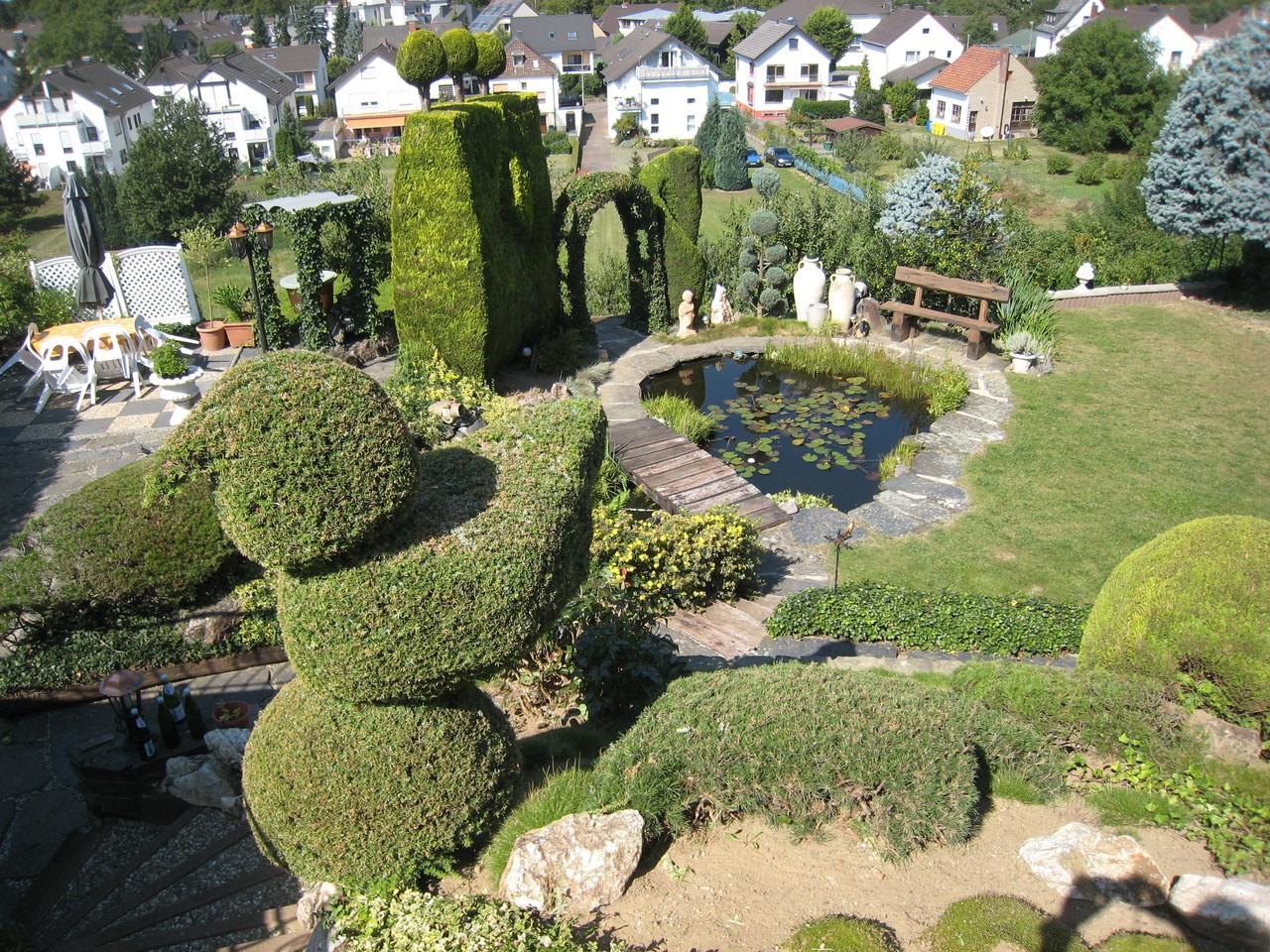 Blick auf die Gartenteichanlage