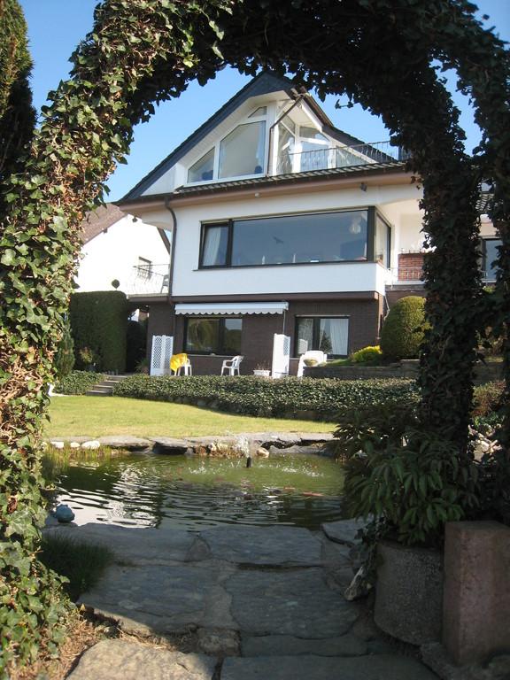 Ferienwohnung  mit Terrasse -Gartenansicht