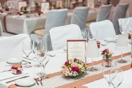 Blumendekoration für Feste und Feiern