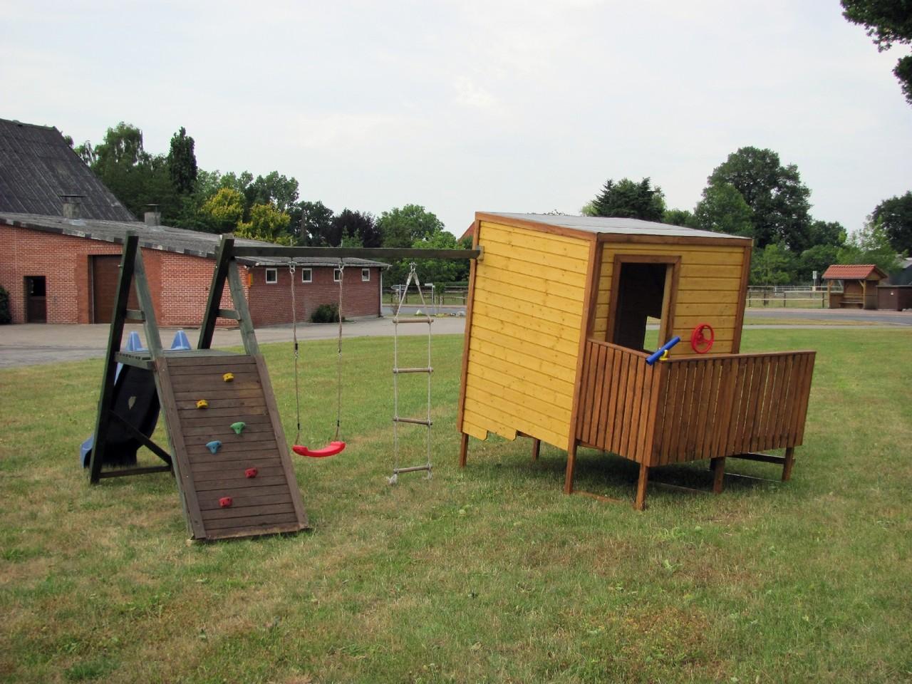 Spielhäuser - Spieltürme und Klettertürme - Baßner Holzbau