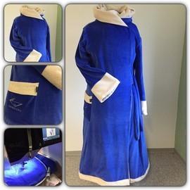Bademantel in der Wunschfarbe Königsblau