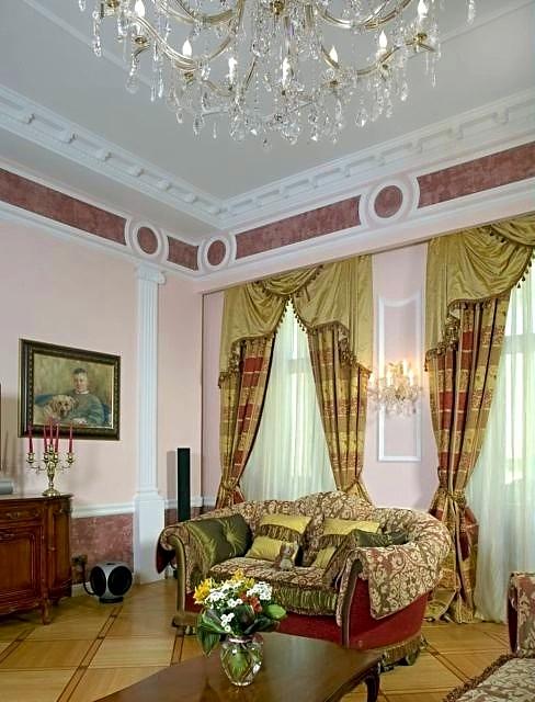 Фотография оформления окон в интерьере гостиной