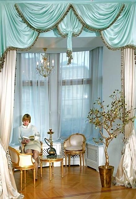 Фотография эркера в интерьере спальни