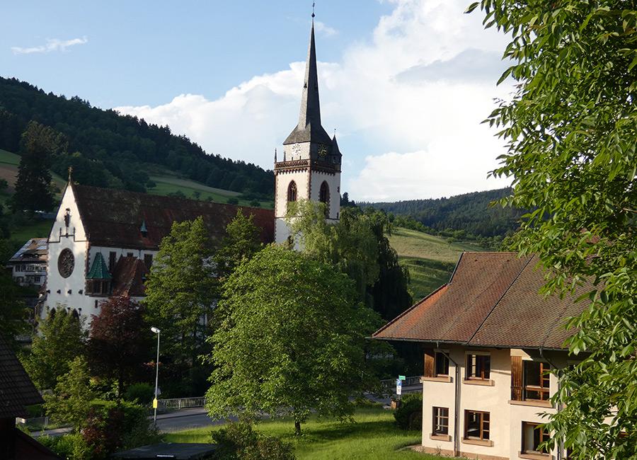 Blick vom Muserhof auf die Dorfkirche Nordrach
