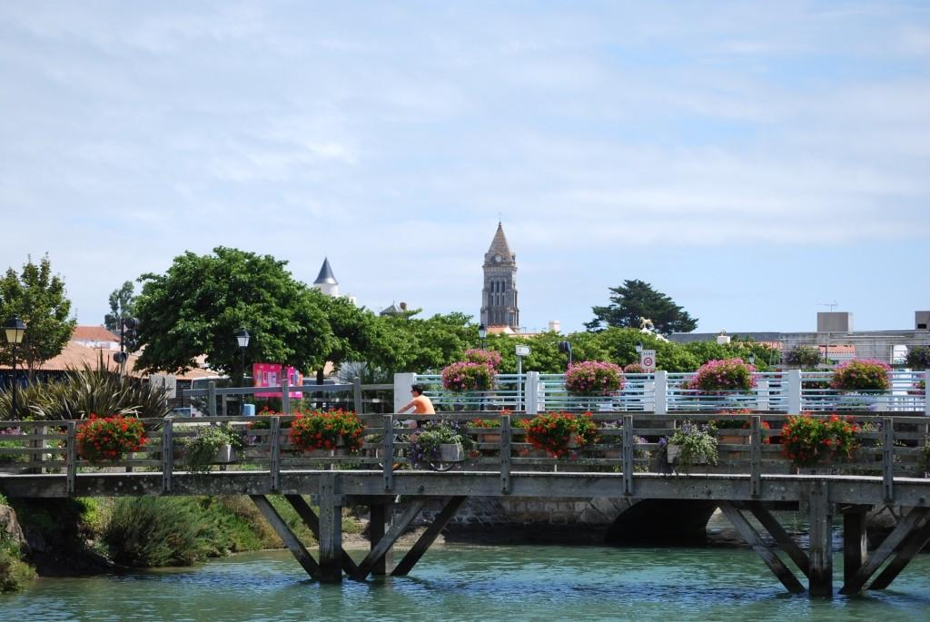 Noirmoutier-en-l'Ile depuis l'étier du Moulin