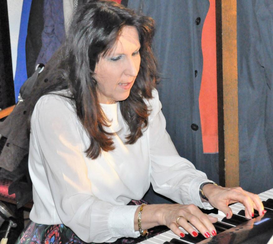 Beatrice Ganz, Klavier