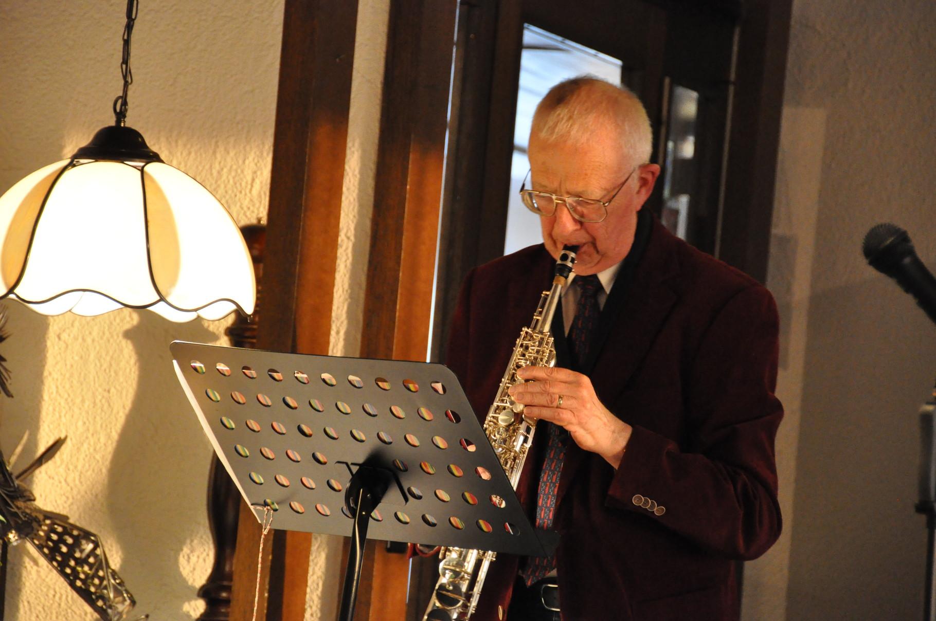 Prof. Dr.  Pfarrer Ernst Saxer Saxophon