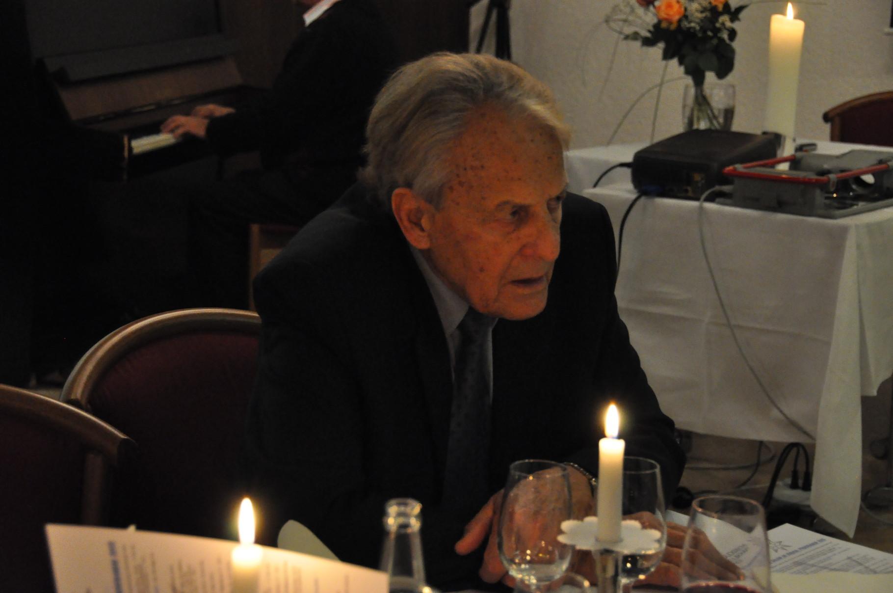 Hans Rudolf Zulauf, Kassier und Ehrenmitglied, Weihnachtsfeier 2014