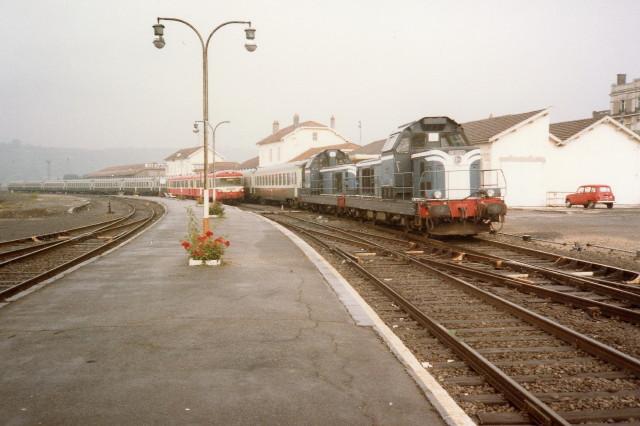 Verdun. Train de permissionnaires Conflans-Jarny - Paris du vendredi. 4 septembre 1987. Cliché Pierre BAZIN