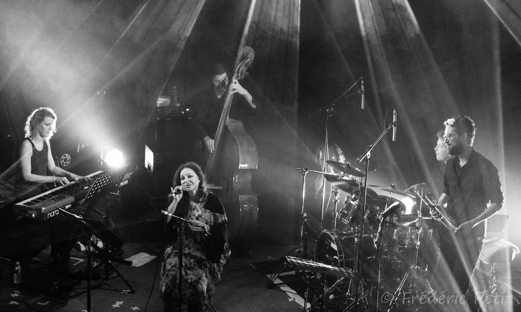 14 octobre 2015 - Natacha Atlas @ Divan du Monde (MaMA Festival)