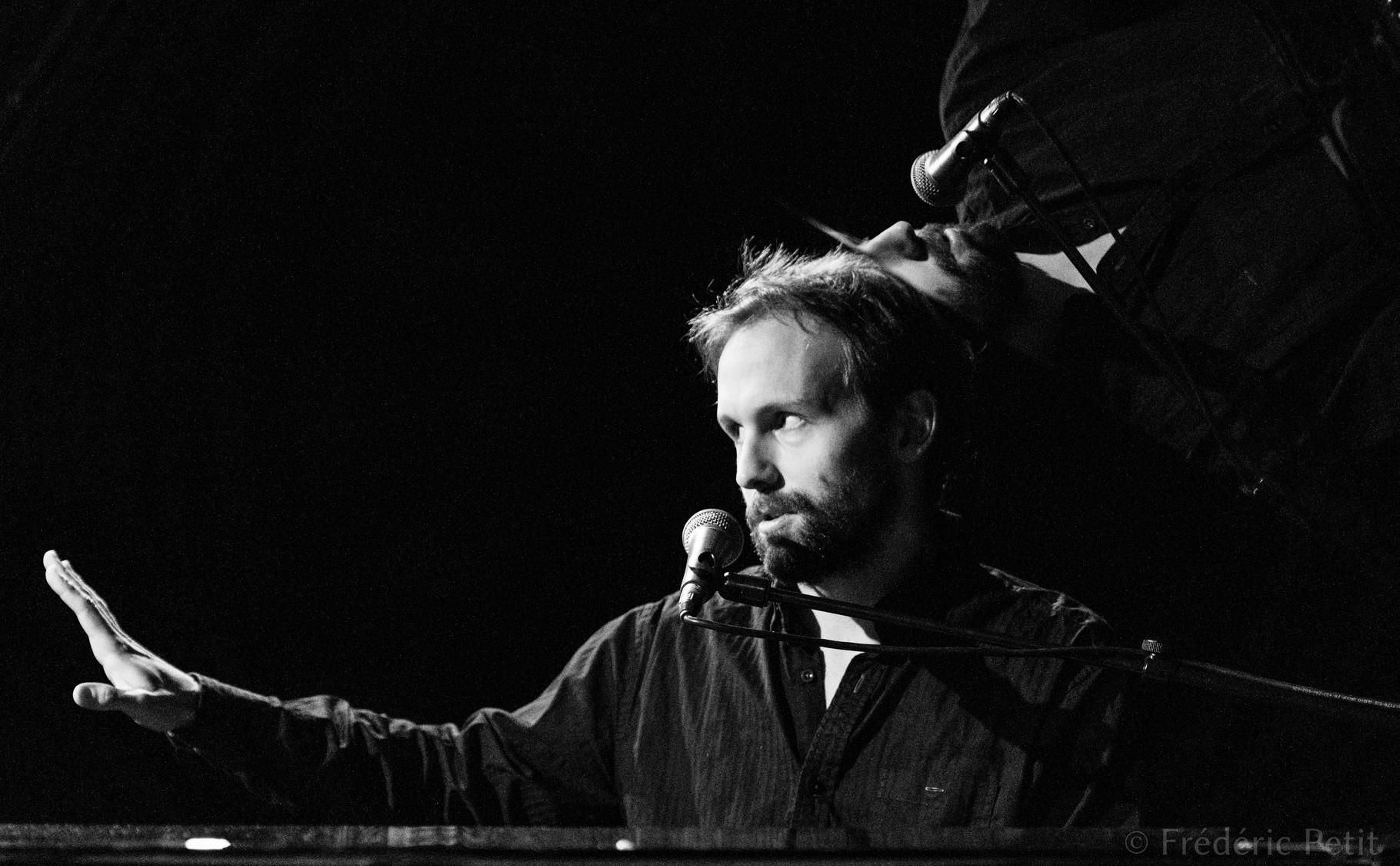 9 décembre 2015 - Émile Proulx-Cloutier @ Centre Culturel Canadien (Festival Aurores Montréal)