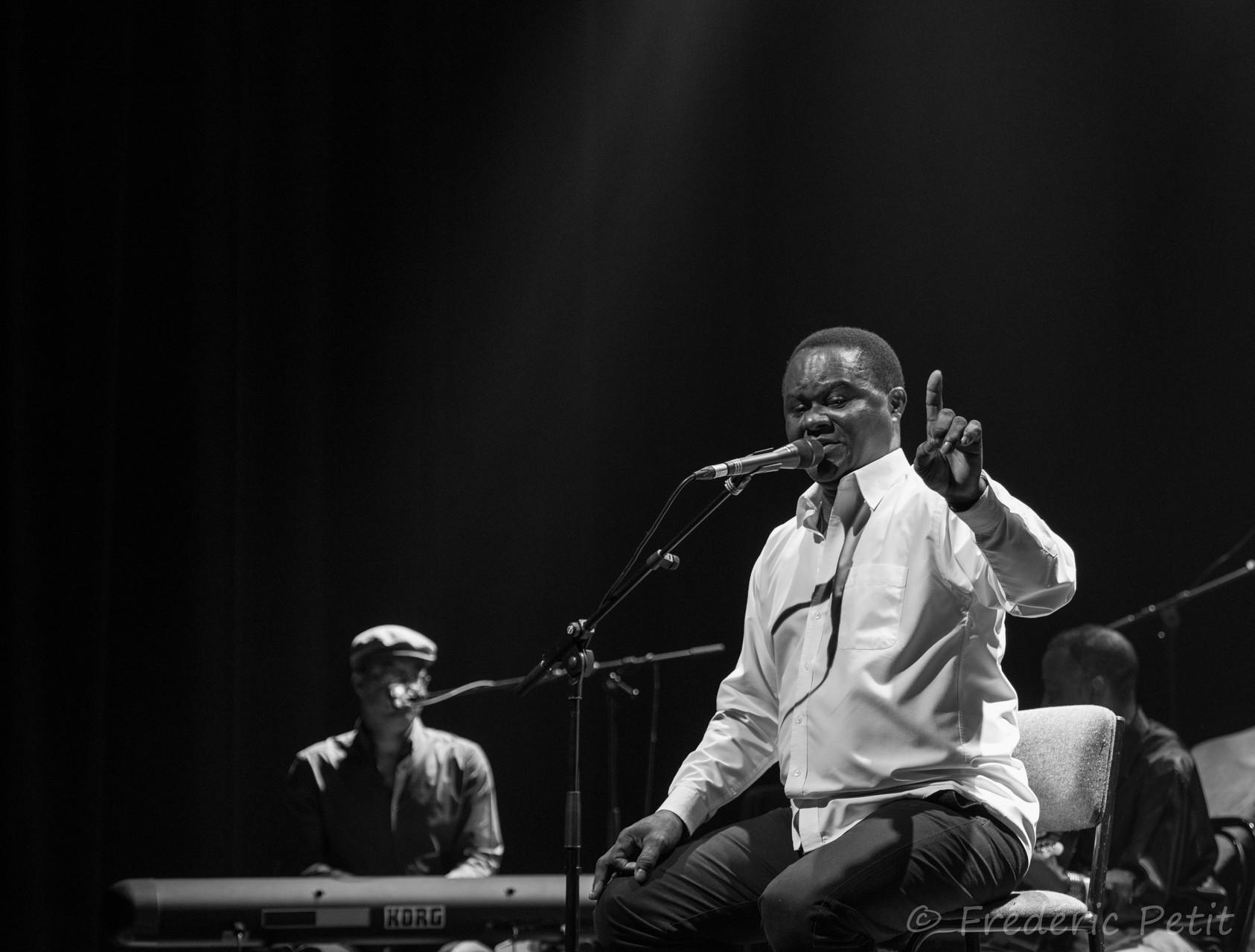 4 octobre 2014 - Zé Luis @ La Grange Dimière (Festi'Val de Marne)