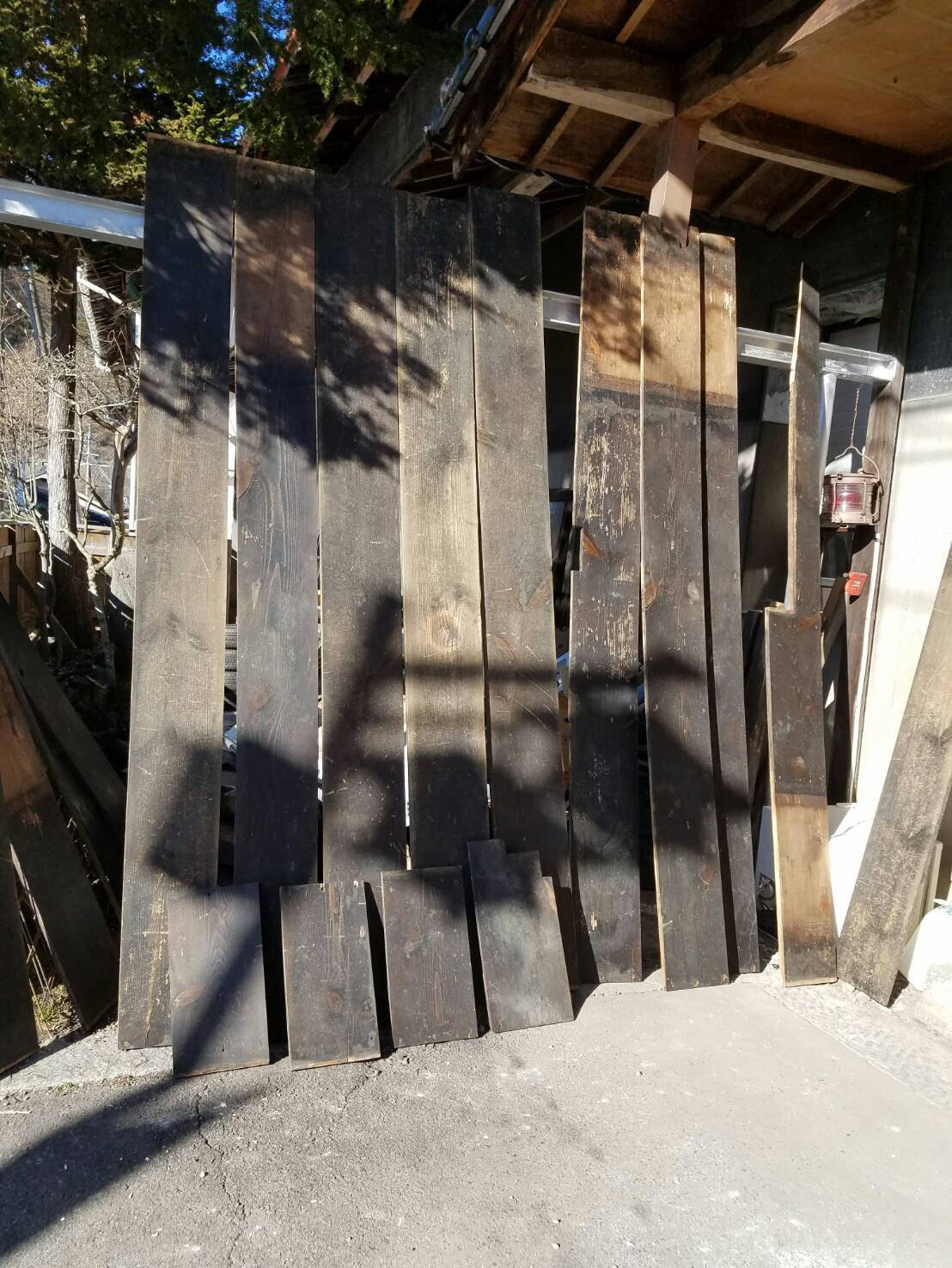 古井板材を再利用します