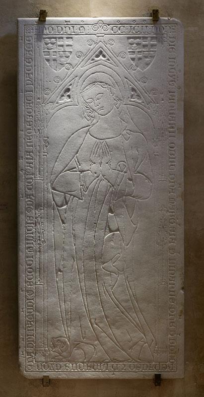 Fig. 10 - Dalle funéraire de Marquiesa de Linars (morte en 1292). Musée des Augustins. Photo Daniel Martin