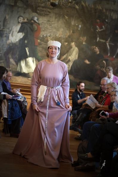 Crédit photo : Bruno Haniquet, défilé de mode XIIIe Cité d'Antan.