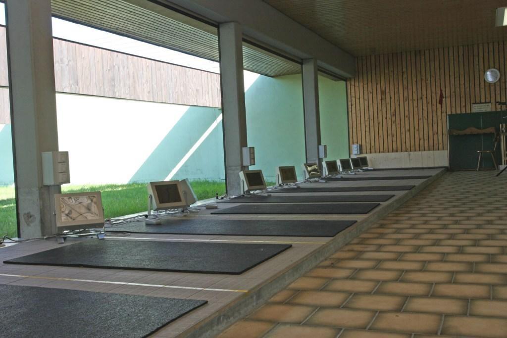 12 Kleinkaliberstände von Myton mit Fußbodenheizung