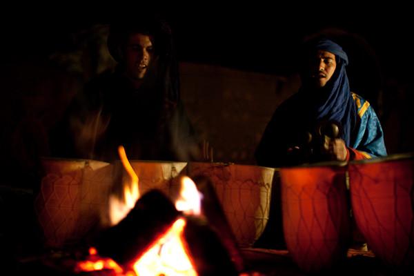 Beduinen am Lagerfeuer