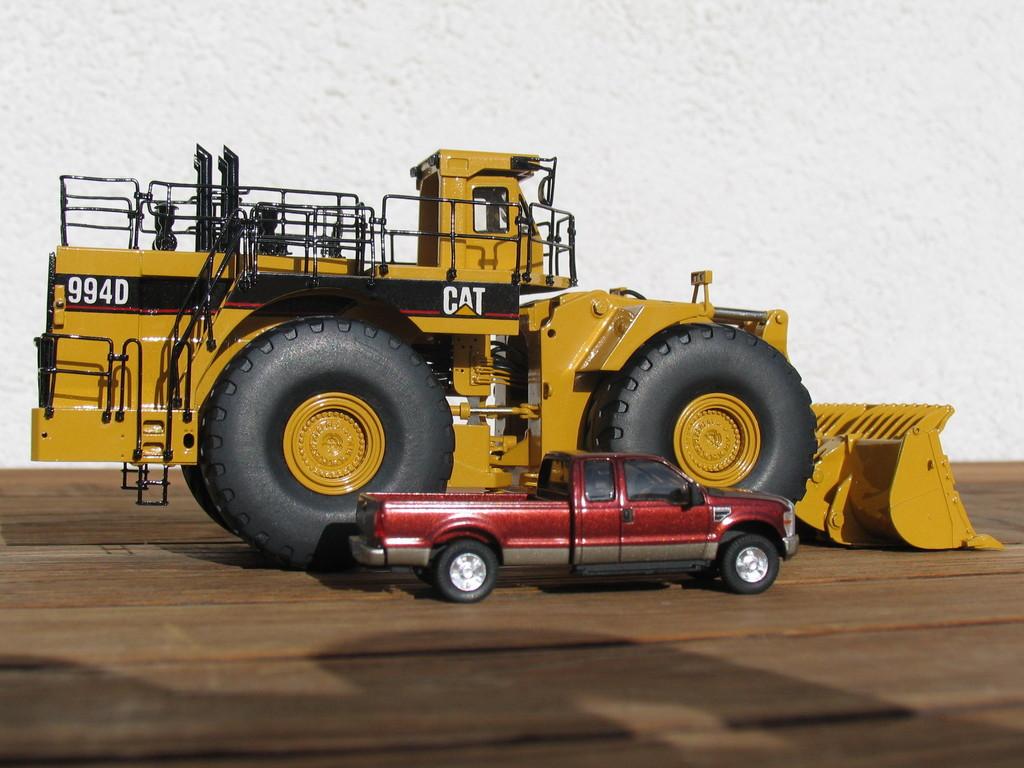 Als Größenvergleich ein Ford F250 von River Point Station