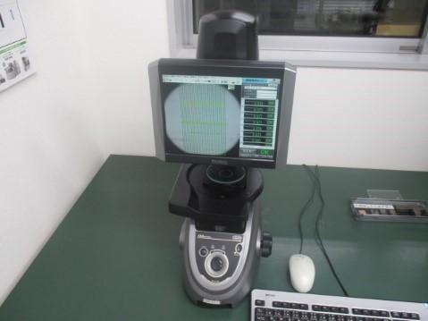 高精度投影自動測定機(IM-6140)