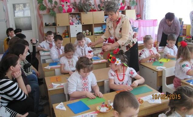 Вихователь Єнжиєвська Валентина