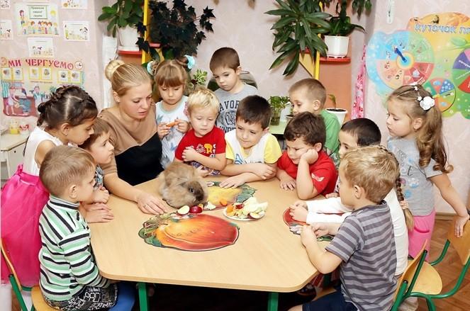 """Декоративний кролик Крош з малятами групи """"Всезнайки"""""""