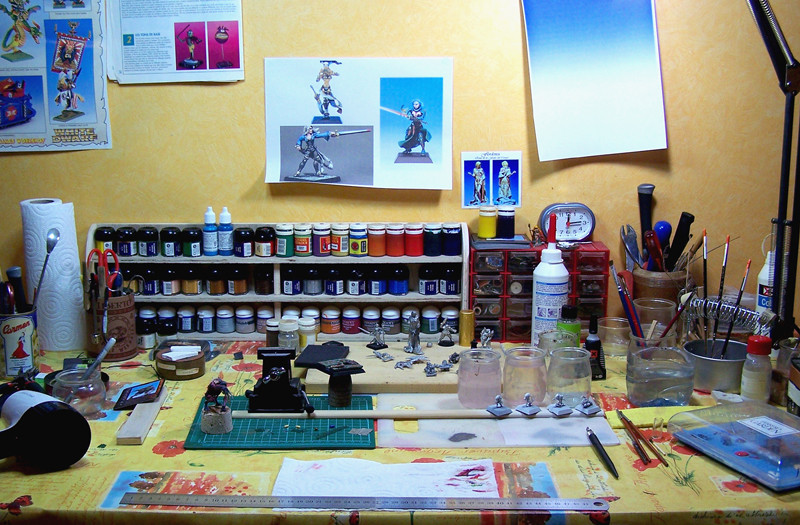 Mon atelier, pas trop mal rangé. Il est 12h15...