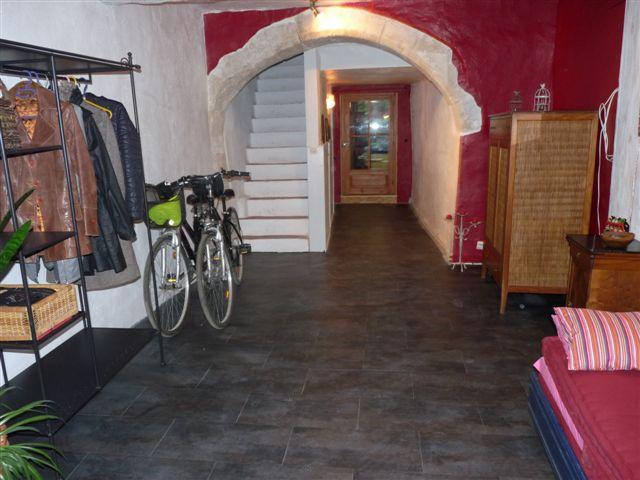 revetement de sol peintre montpellier peinture murale. Black Bedroom Furniture Sets. Home Design Ideas