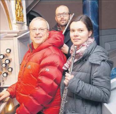 Das Hartzer-Thuet-Querflötenduo mit Christopher Weik für Konzerte im Kirchenkreis Witzenhausen... im kalten Winter 2017.