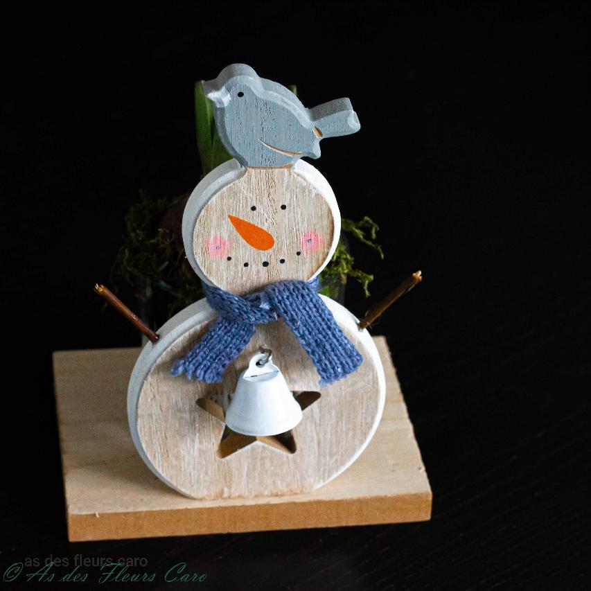 Silhouette bonhomme de neige bois + jacinthe pot en verre