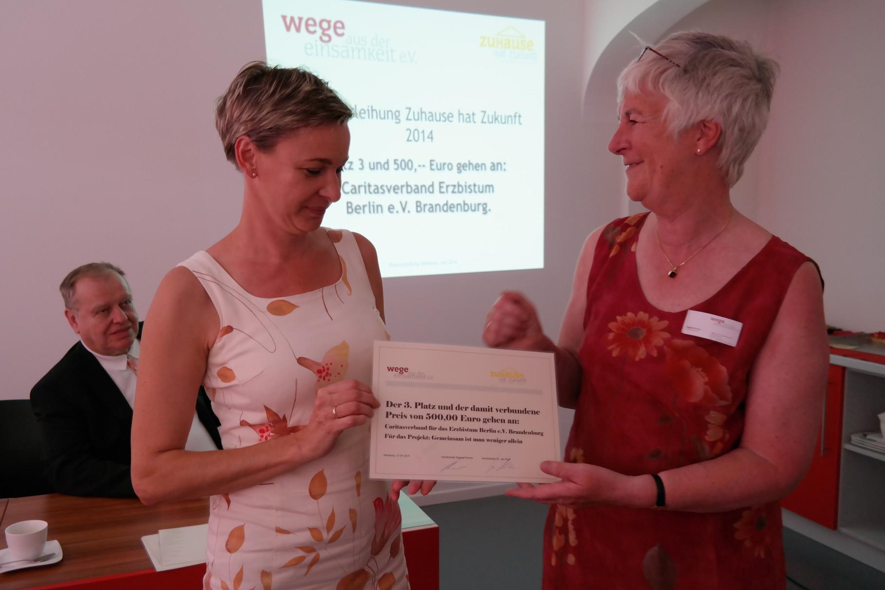 Anett Kießig von Caritas Brandenburg und Dagmar Hirche von Wade 3.Platz