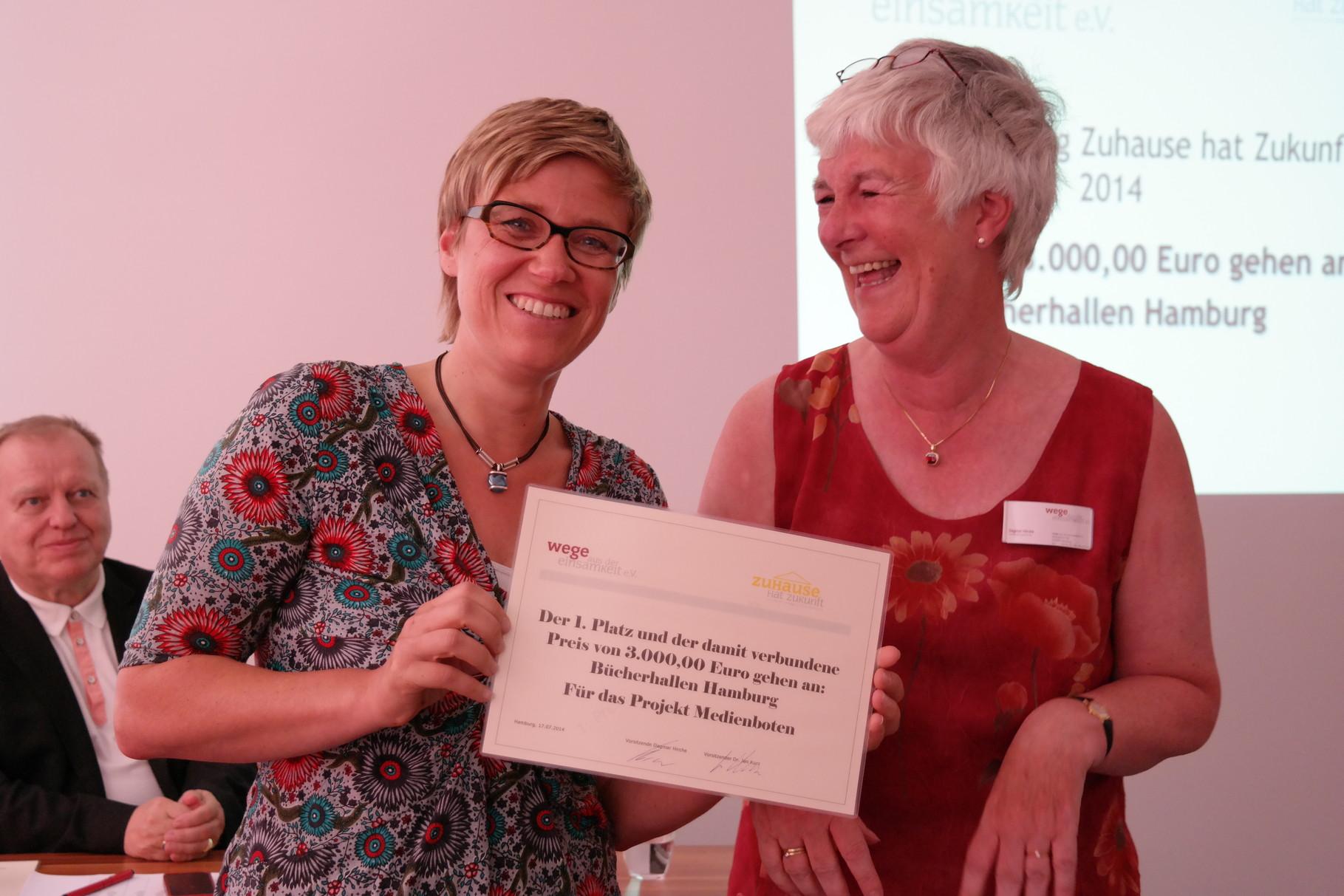 Christine Rißmann Bücherhallen Hamburg und Dagmar Hirche von Wade 1.Platz