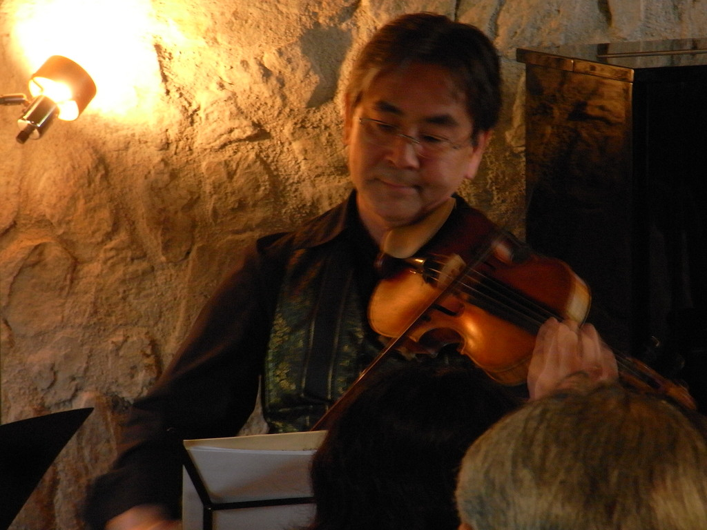 ヴァイオリン:上野眞樹