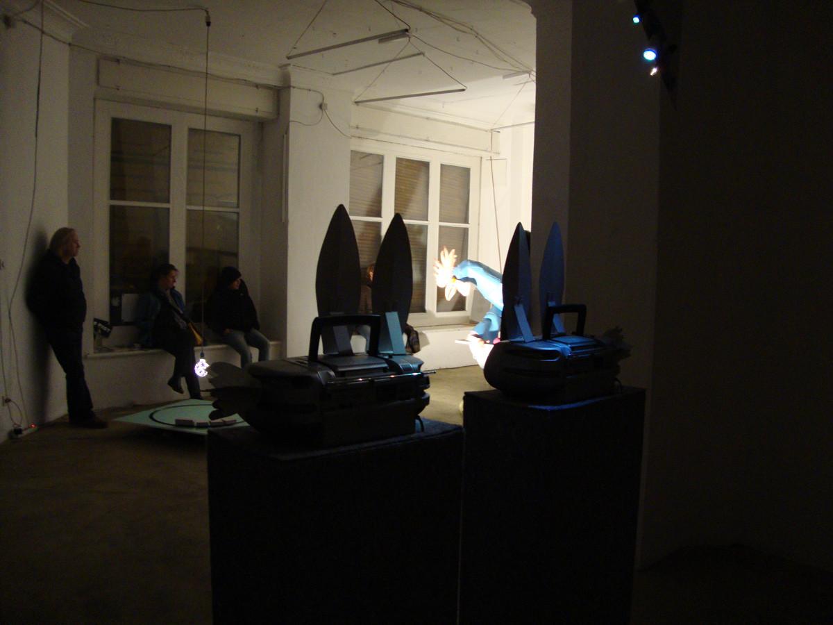 """Projekt- und Hörgalerie """"A und V"""", Leipzig, 2009, photo: unknown"""