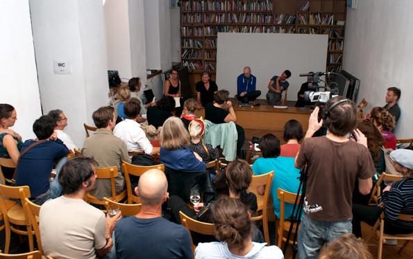 Diskussionsrunde PANik 3- Performance als Dokumentation, depot, Wien