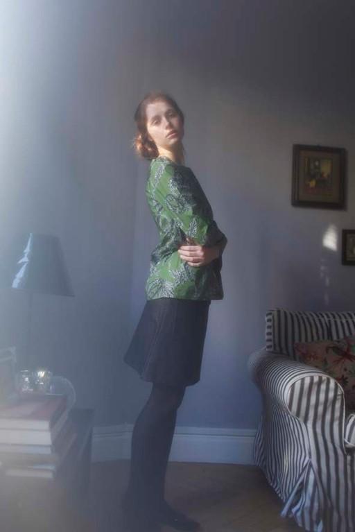 Hermione : blouse, 100% coton.  Juliet :  jupe poches plaquées, 100% coton - Jeanne Berre