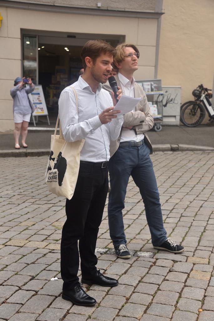 Dr. M Osmont (ICFA) und Pr.Dr. J. Großmann (Uni Tübingen)