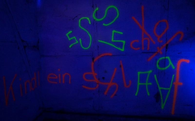 Licht: Serge Le Goff, Installation: die Schülerinnen.