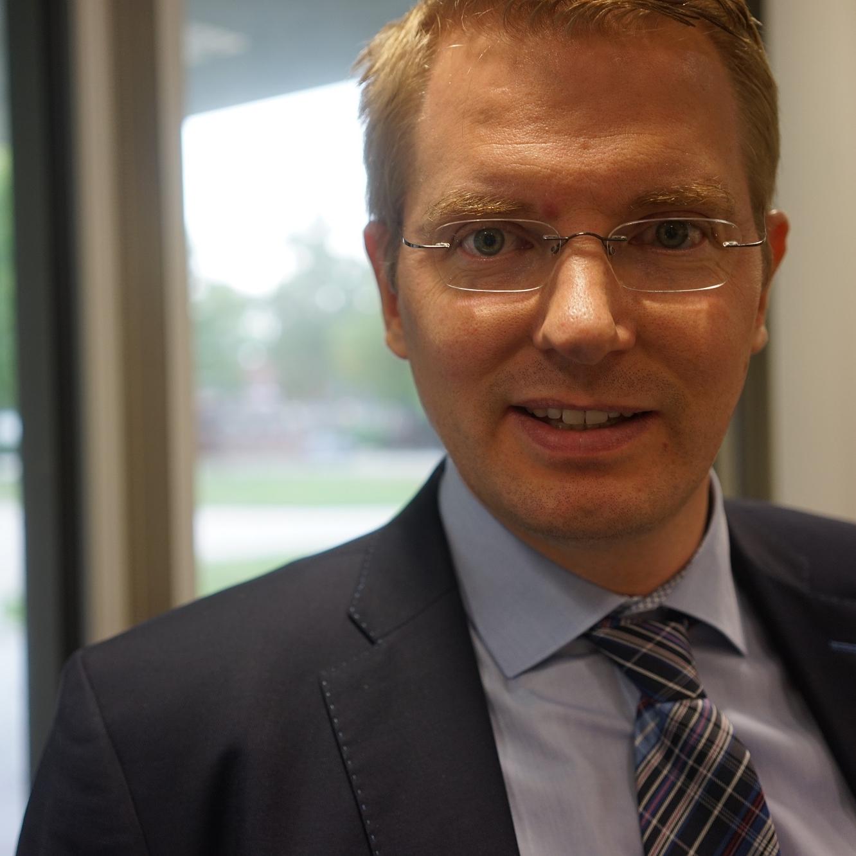 Chief Financial Officer - Benjamin Schulz