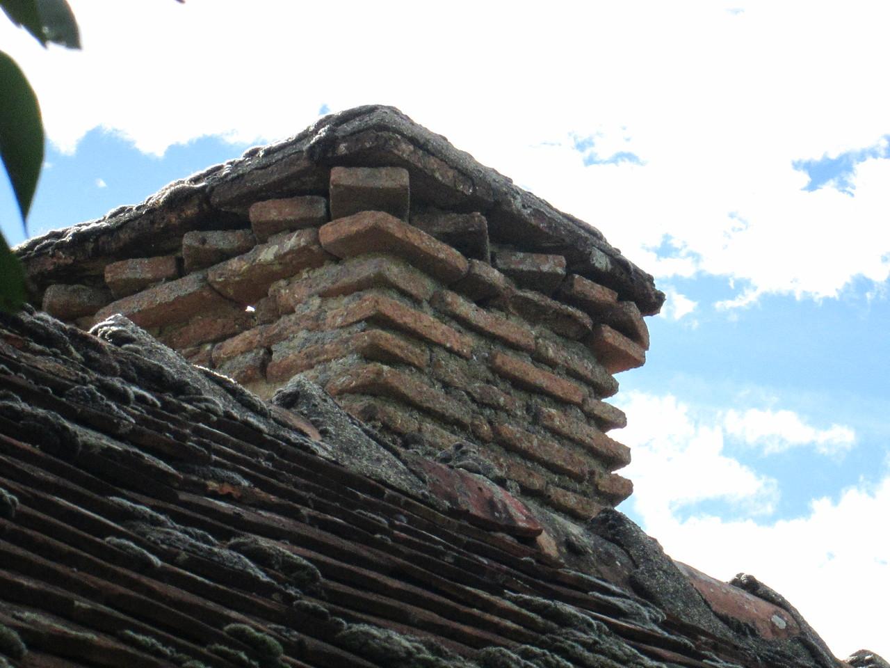 La Vieille Forge : détail de la cheminée du four