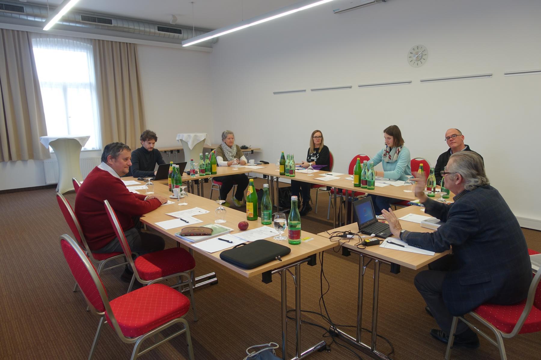 """Im Seminarraum namens """"Weinviertel im City Hotel D&C in St. Pölten."""
