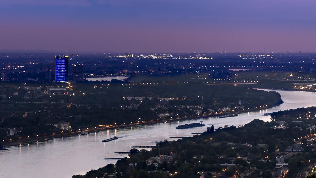 Blick auf die Stadt vom Drachenfels aus
