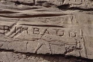 """L'iscrizione """"RIMBAUD"""" sulla parete di un tempio a Luxor"""