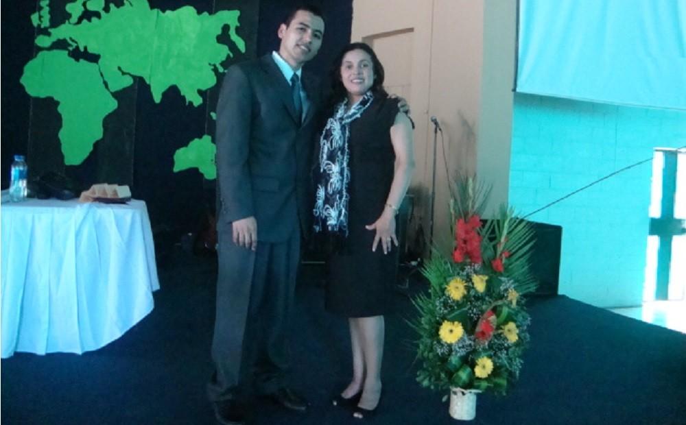Director Nacional SIMES y esposa