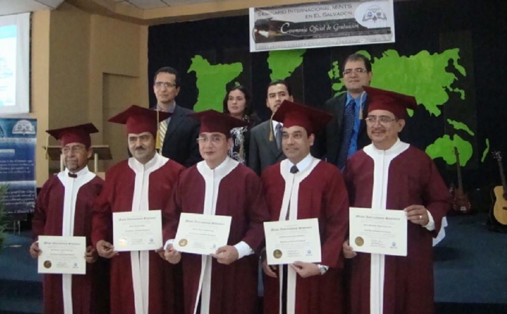 Graduados | Asociado y Licenciatura MINTS