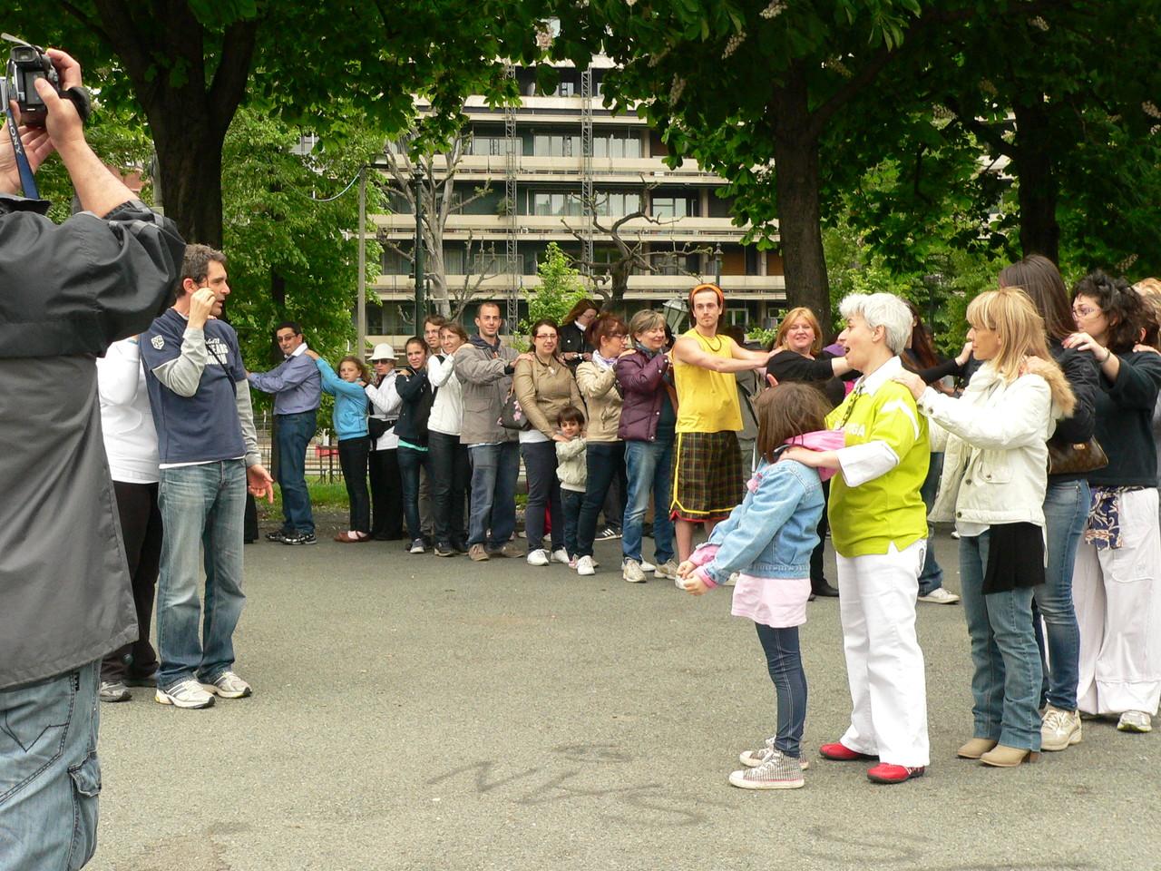 Loredana Zagami con yoga della risata Torino il metodo del Dott.  Madan Kataria