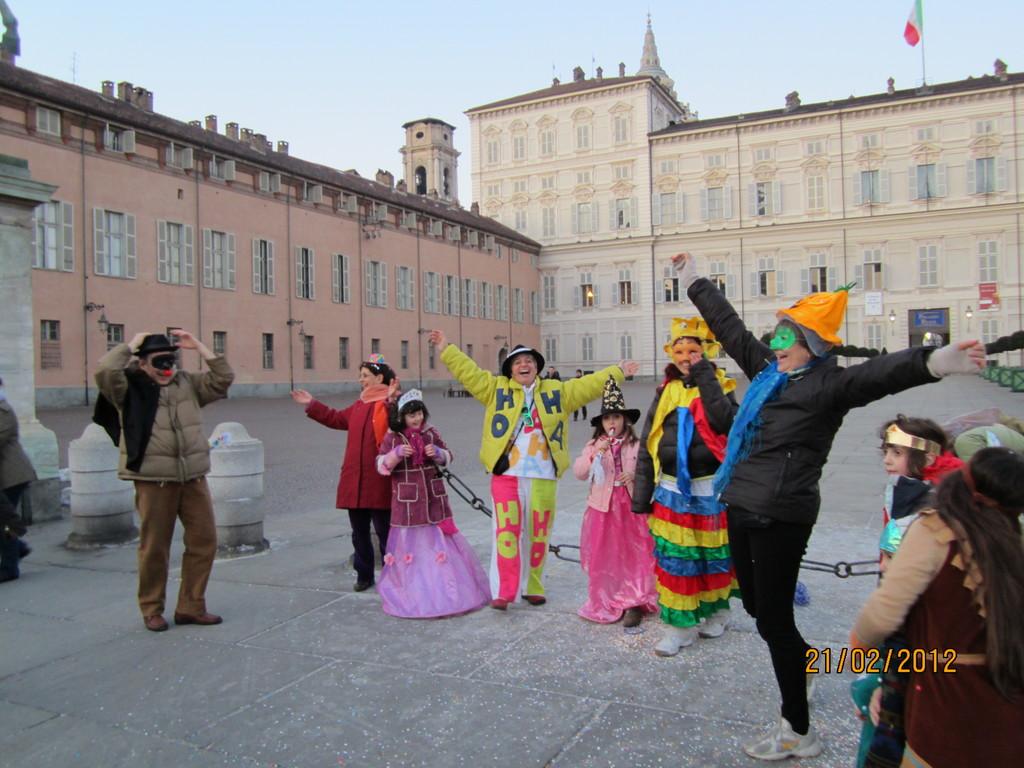 FEBB.2012   SALUTIAMO IL CARNEVALE  !!!