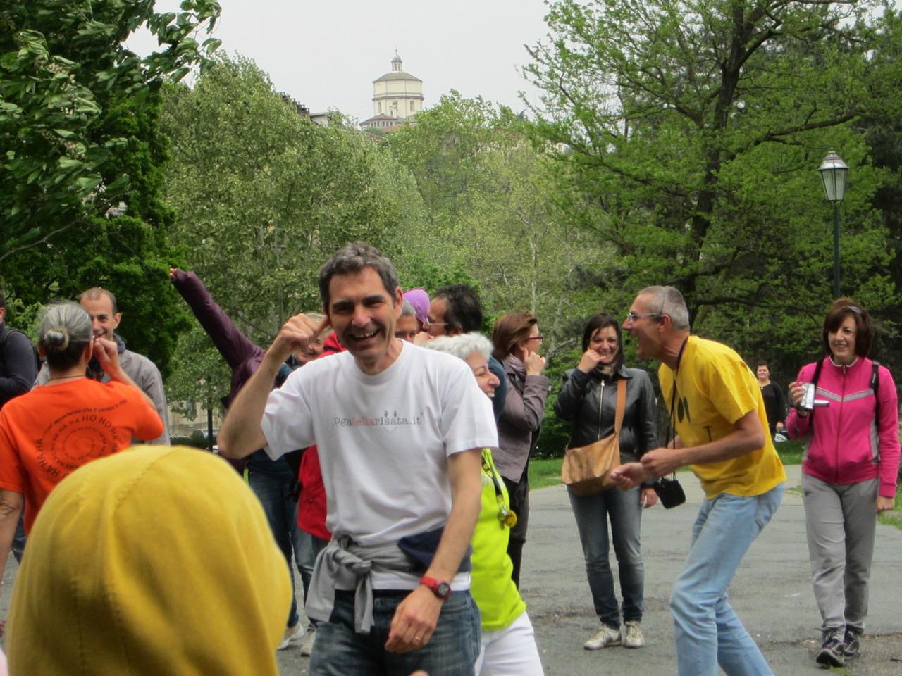 GRAZIE A GILLES!   Loredana Zagami con yoga della risata Torino il metodo del Dott.  Madan Kataria