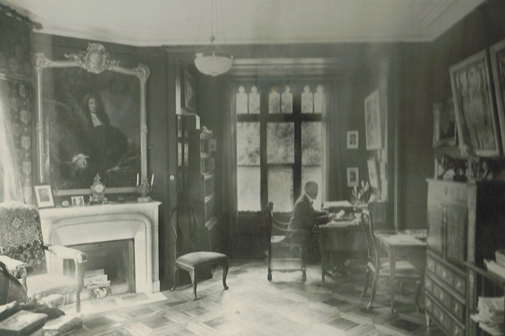 Rudolf von Tavel in seinem Arbeitszimmer (CvT)