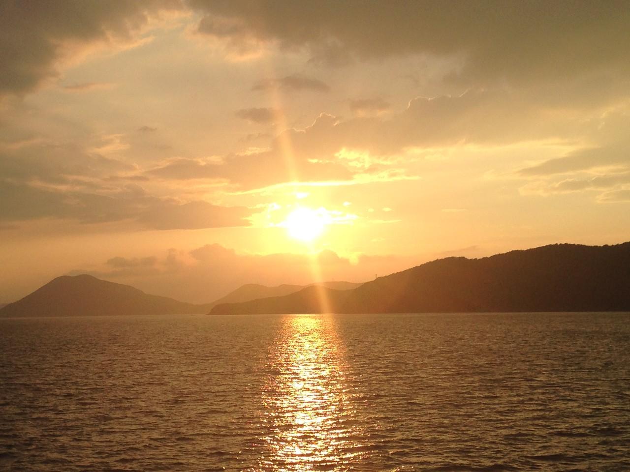 小豆島に着いた時の夕日。